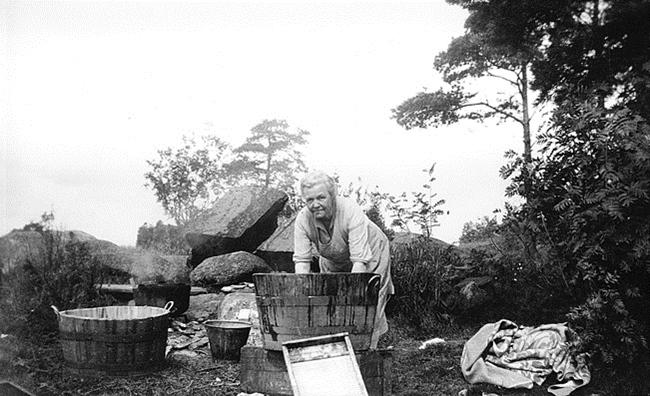 AnnaKristiensenvasker_Fjeldstad_Greåker_1930_SigridBerger2d7c