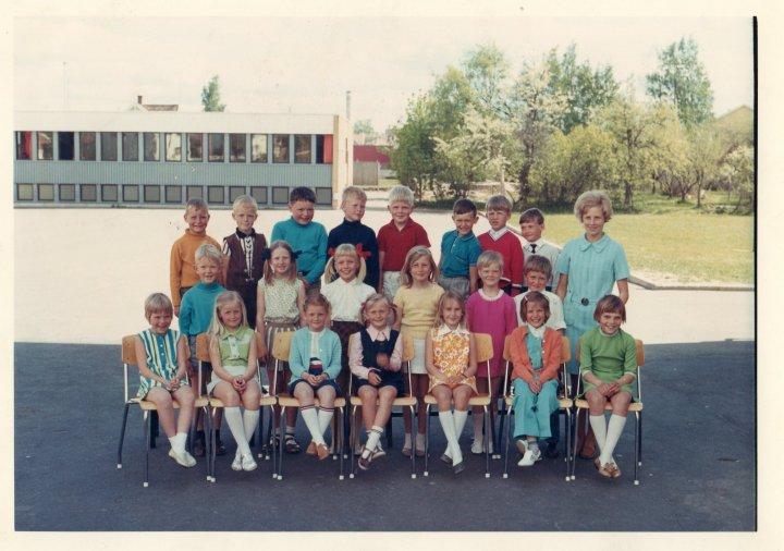 Lande skole. Klasse 1B 1969/1970.