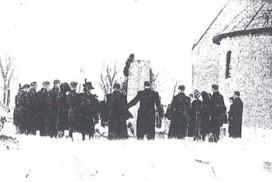 Minnesmarkering ved minnesteinen over Kingsrød og Skoglund