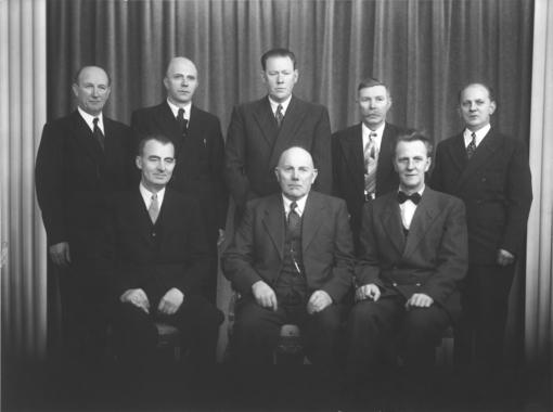 Styre og disponent ved Sannesund Sag & Høvleri A/S 1. januar 1952 Foto: Christian Emil Larsen