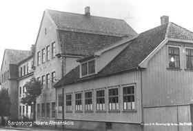 Sarpsborg Høiere Almenskole slik den så ut i 1915