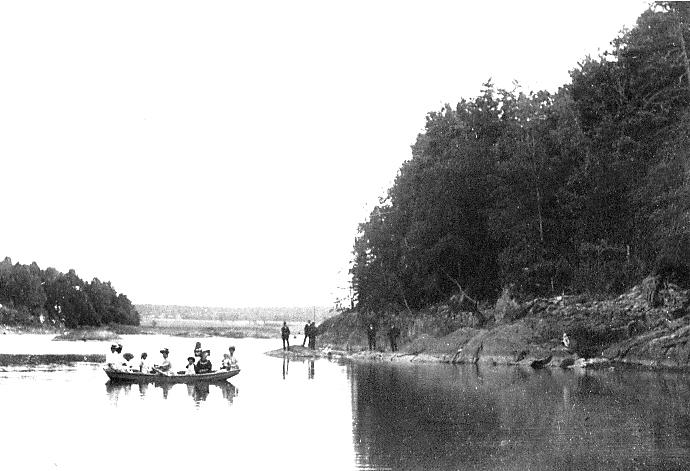 Båttur på Vestvannet. Fotograf Karl Svan 1920. (Sarpsborg kommunes fotosamling).