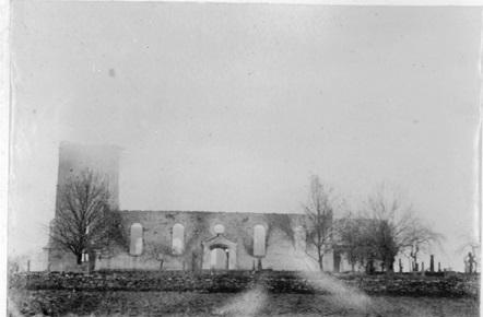 Tune kirke etter brannen i 1908