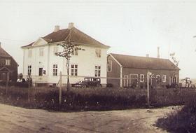 une Elektrisitetsverks administrasjonsbygg 1935. Her holdt herredskassererkontoret til.